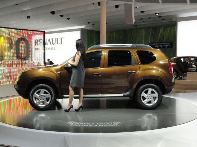 Внешние отличия Renault Duster от Dacia Duster минимальны