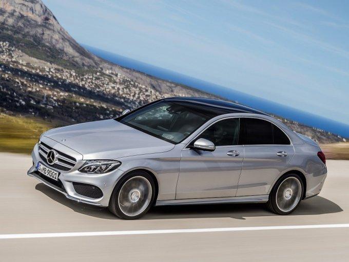 W205 будет предлагаться в трех дизайнерских исполнениях - Exclusive, Avantgarde, AMG. Перед вами исполнение AMG