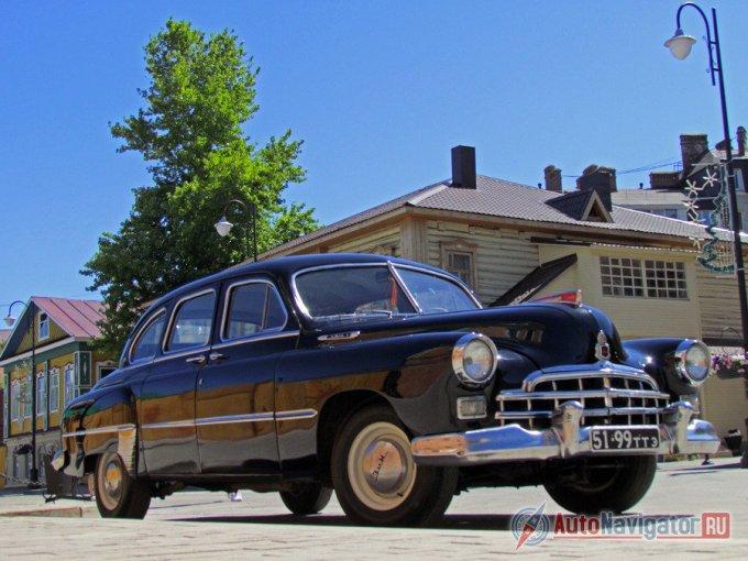 Производство большого и солидного советского седана ЗИМ ГАЗ-12 началось еще при жизни Сталина – в 1949 году