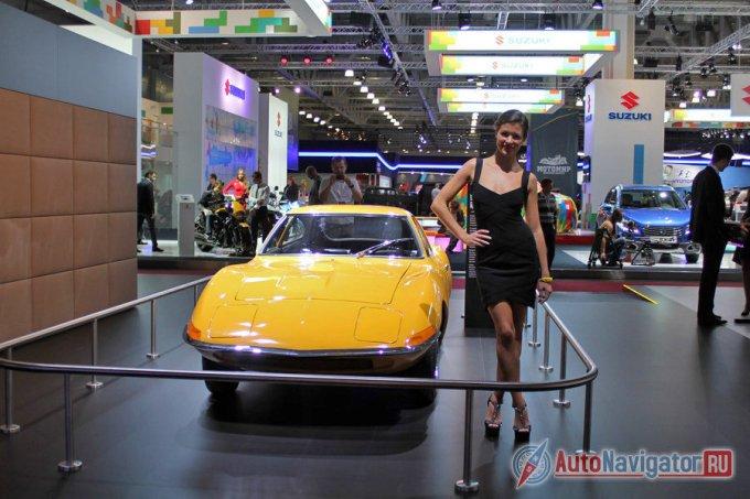 Дебют этой машины случился в 1965 году во Франкфурте в статусе концепт-кара. Изначально она не планировалась серийной, а была призвана продемонстрировать исключительно дизайнерские идеи марки тех лет, но многочисленные восторги публики заставили запустить это купе в серию