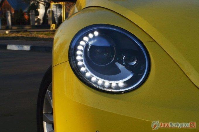 Полукруги ходовых огней Beetle выбиваются из общего подковообразного стиля Volkswagen
