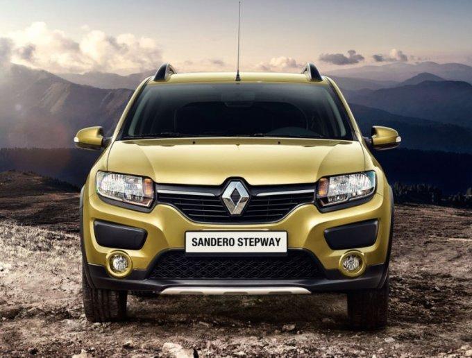 Носовая часть Renault Sandero Stepway преобразилась за счет новой радиаторной решетки