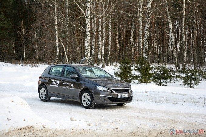 Новый Peugeot 308 удостоился титула Европейского автомобиля года 2014, победив в авторитетном, но всегда компетентном конкурсе Car of the year. Старый Peugeot 308 – оказался самым продаваемым представителем С-сегмента во Франции
