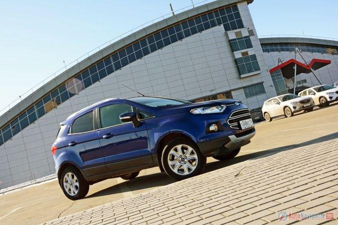 Ford EcoSport по документам – хэтчбек, по рекламе – кроссовер, по дизайну – не пойми что