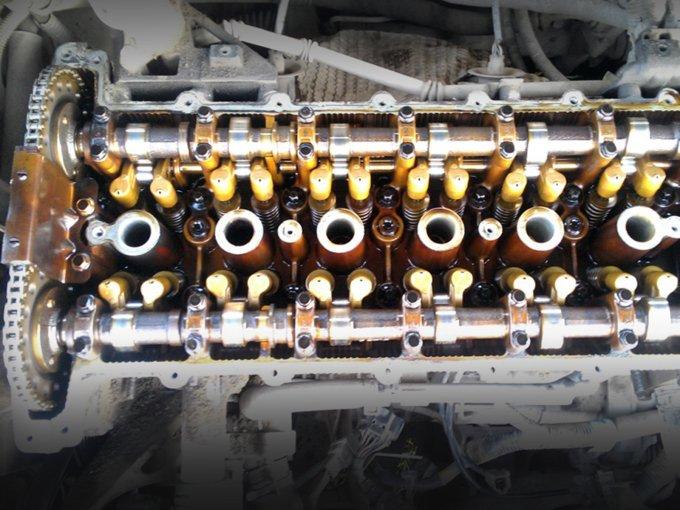 Уход смазывающей жидкости из моторов Epica зачастую связан с потерей рабочих свойств маслосъемных колпачков