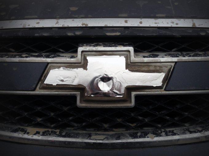Как оказалось, проблемы с эмблемой - визитная карточка не только Chevrolet Niva, но и Epica