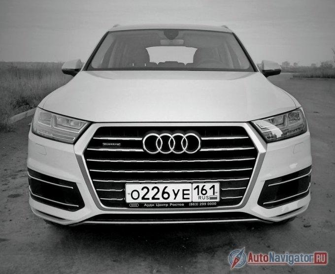 Новая генерация полноприводного премиального кроссовера Audi Q7 предлагается россиянам по цене от 3 630 000 до 4 206 323 рублей