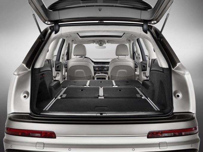Максимальный объем багажного отсека - 2075 литров