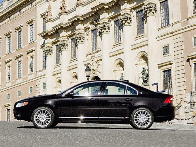 Volvo S80 в Швеции – это автомобиль чиновников среднего ранга и выше