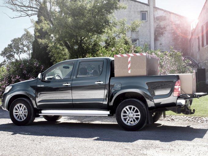 Стальная рама и задняя рессорная зависимая подвеска дают уверенность при перевозке грузов