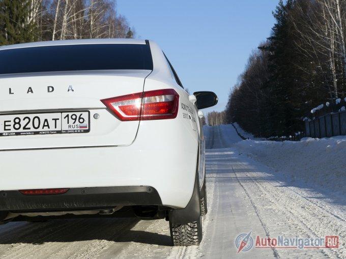 Передвигаться по обледенелым зимним дорогам на Vesta не страшно. Страшно, когда ESC начинает издавать громкий треск