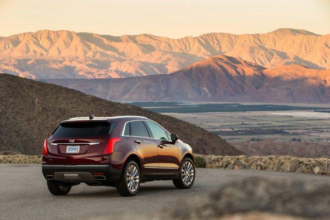 Российские дилеры Cadillac начали принимать заказы на новый Cadillac XT5 несколько дней назад
