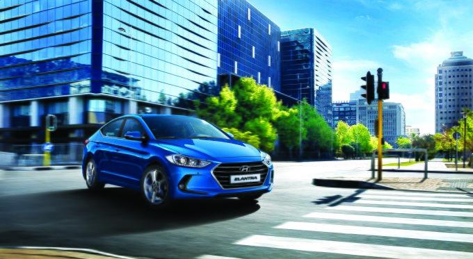 Внешний вид автомобиля характеризуется рельефными формами и плавными линиями, отражающими общую дизайнерскую концепцию Hyundai