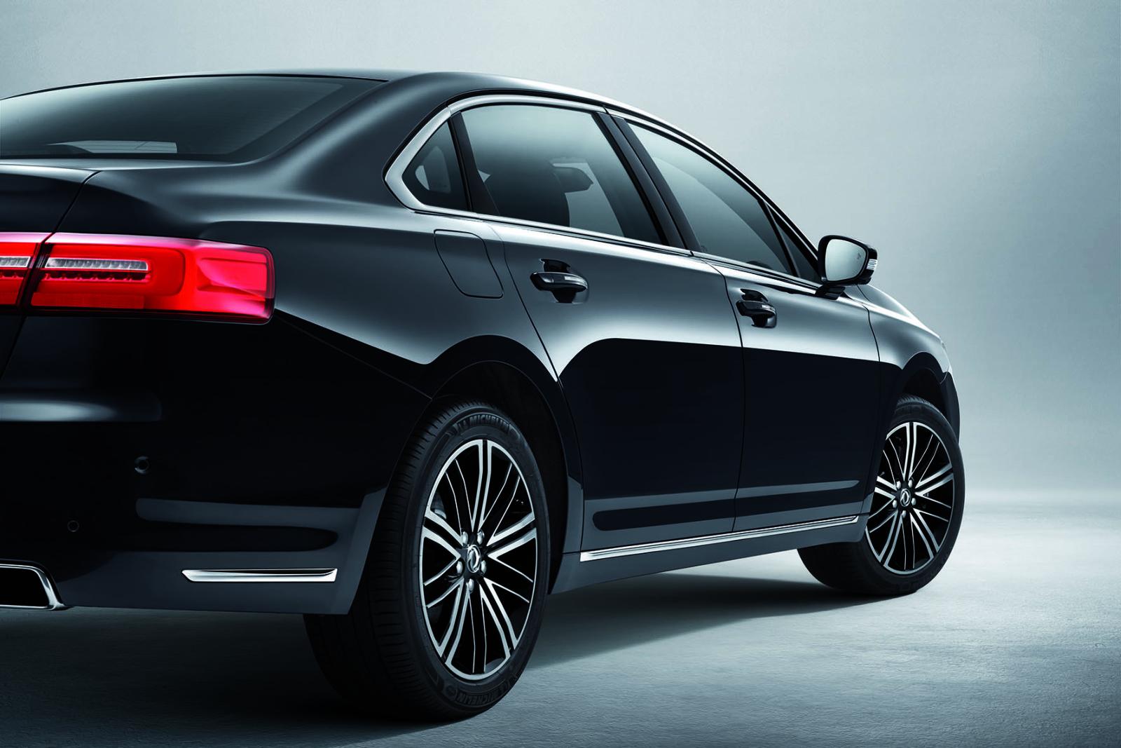 Седан А9 создан на базе новой платформы альянса Peugeot Citroen, которая используется такими моделями как Peugeot 508 и Citroen С5
