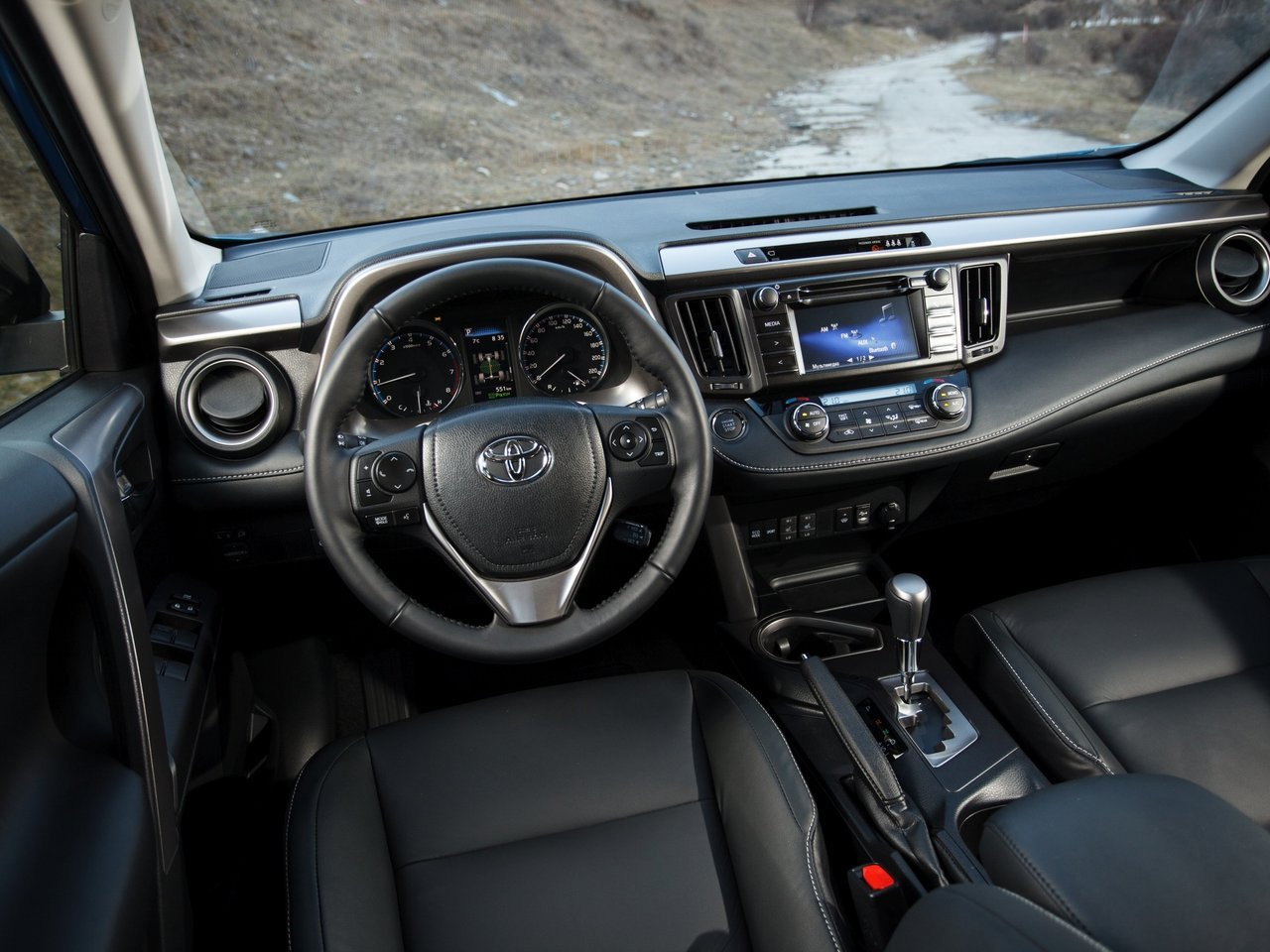 2016 Toyota RAV4 Prestige Safety: Штрихи к портрету