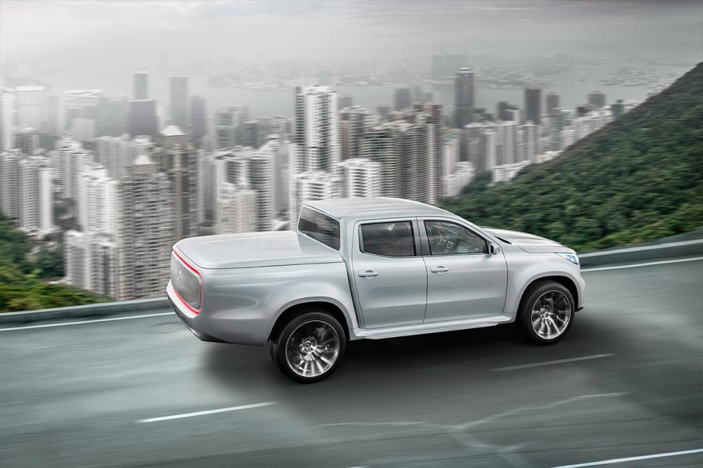 Для X-Class, как и для других автомобилей Mercedes-Benz, будут предлагаться различные индивидуальные элементы комплектации экстерьера и интерьера