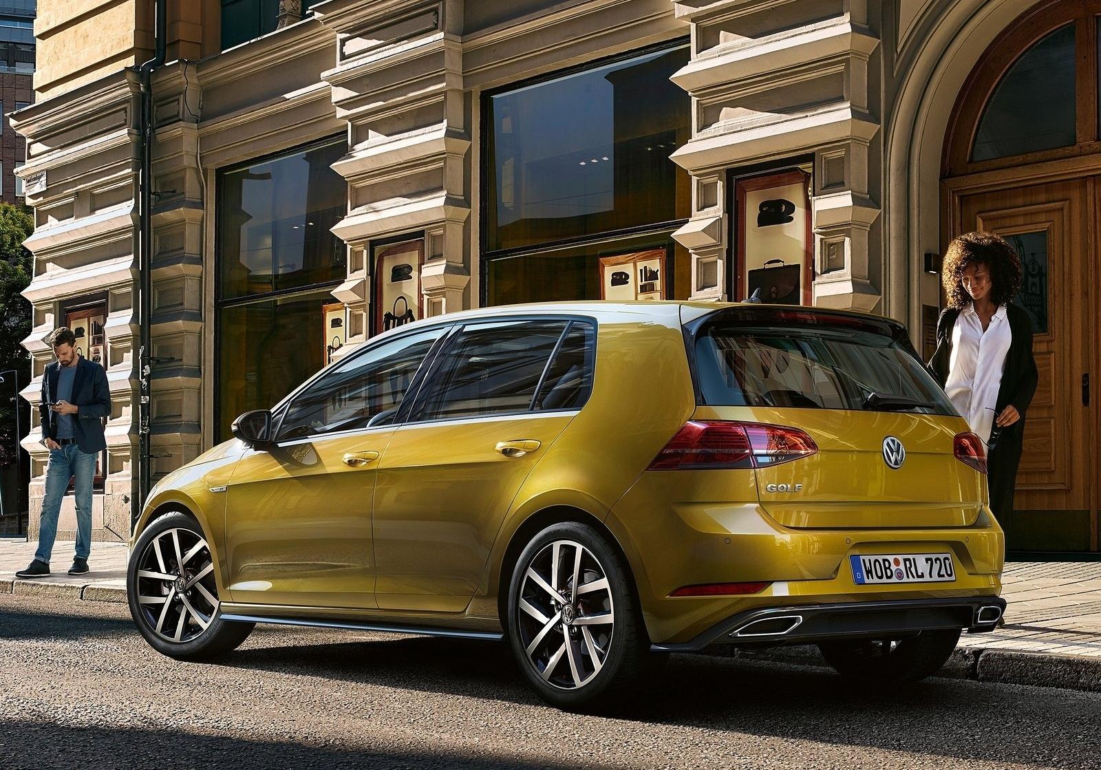 Volkswagen Golf VII 2017: Новое платье короля