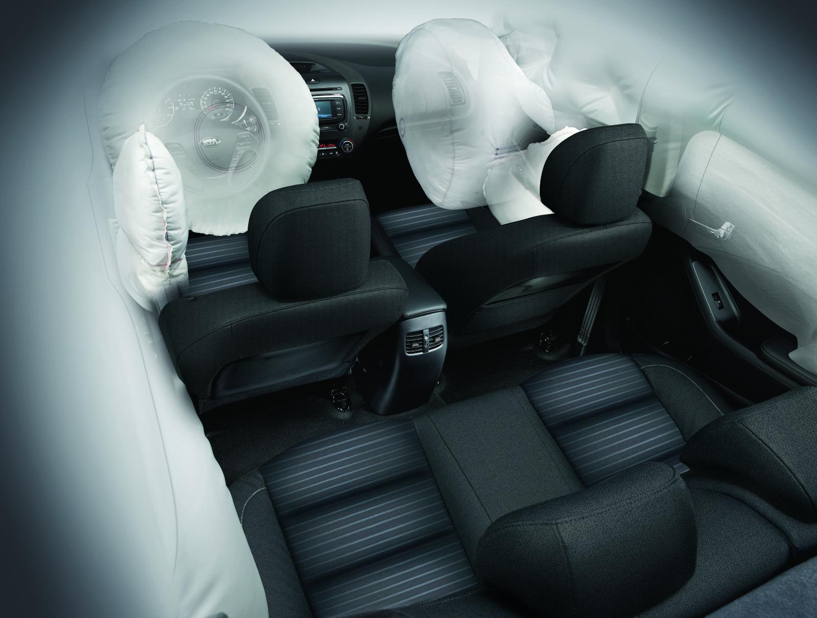 Традиционно для KIA большое внимание уделено безопасности водителя и пассажиров