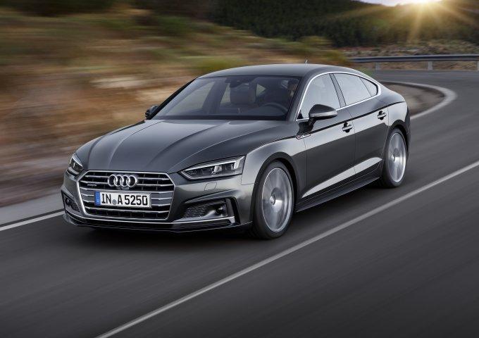 Для российского рынка Audi A5 Sportback предлагается с двумя вариантами двигателей: дизельным 2.0 TDI и бензиновыми 2.0TFSI мощностью 190 и 249л.с. соответственно