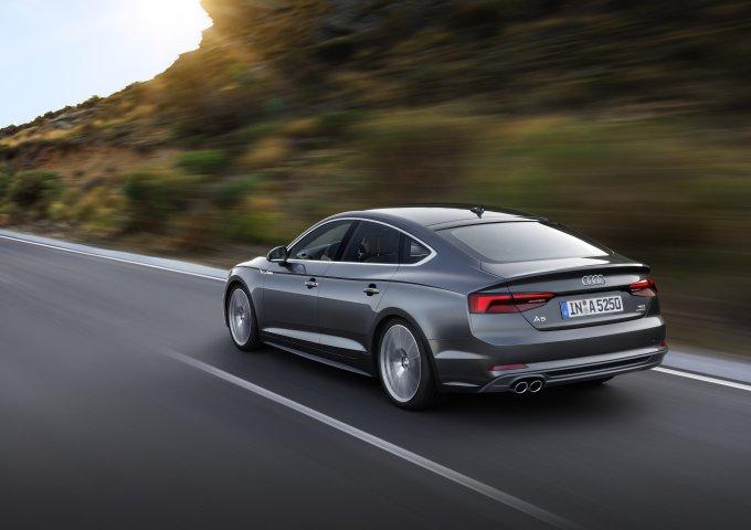 Старт продаж Audi A5 Sportback и Audi S5 Sportback в РФ запланирован на зиму 2017 года
