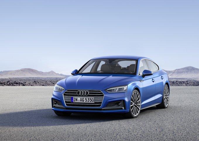 Audi S5 Sportback предлагается с новым шестицилиндровым турбированным двигателем V6 3.0 TFSI, имеющим впечатляющую мощность 354 л. с. и крутящий момент 500 Нм