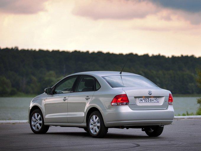 Volkswagen Polo Sedan 2010-2015. Калужская сборка наверняка положительно сказалась на цене, но качество все же пострадало