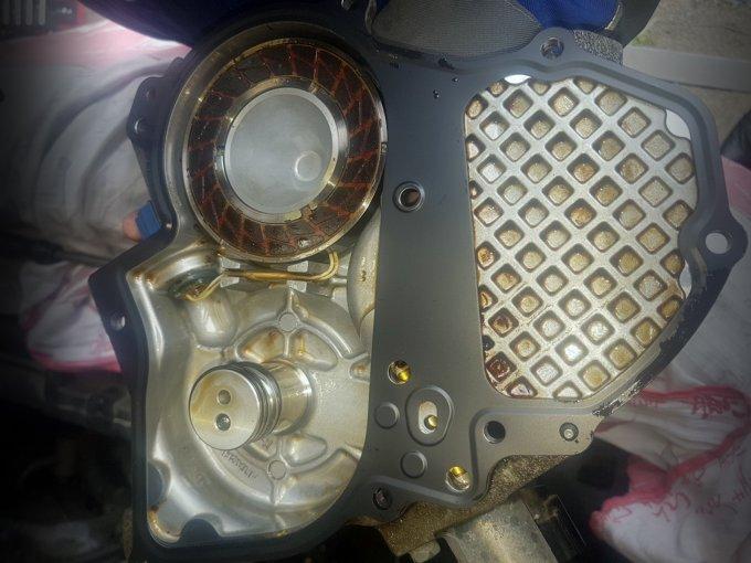 Передние крышки распредвалов FX причастны к системе изменения фаз и иногда являются причиной сбоев в работе двигателя