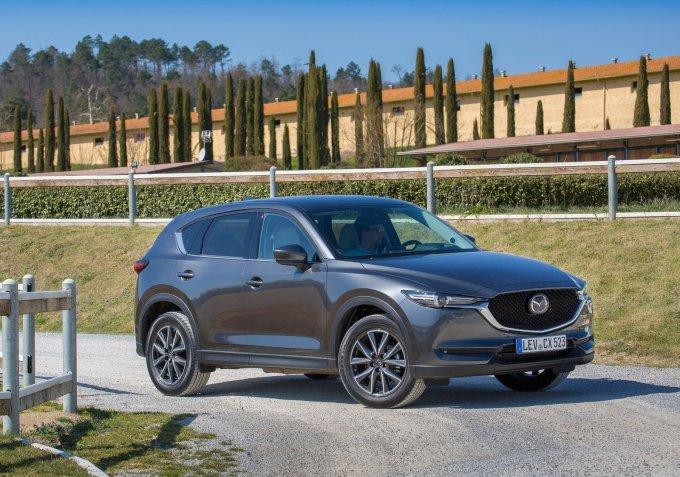 Новый Mazda CX-5 доступен покупателям в трех комплектациях