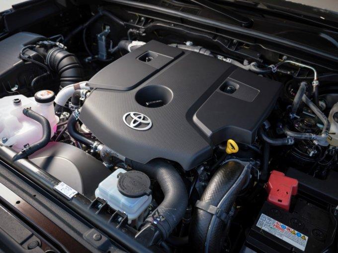 Toyota Fortuner будет доступен в России с двумя типами двигателей