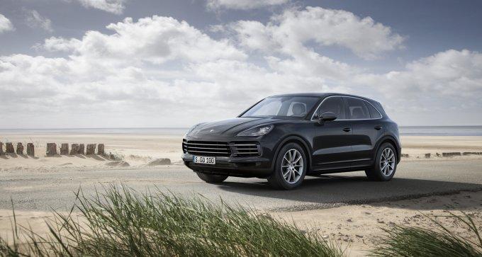 При первом взгляде может показаться, что Cayenne нового поколения мало чем отличается от предыдущего, хотя, если пригляделся внимательней, сразу станет понятно, что это абсолютно разные автомобили