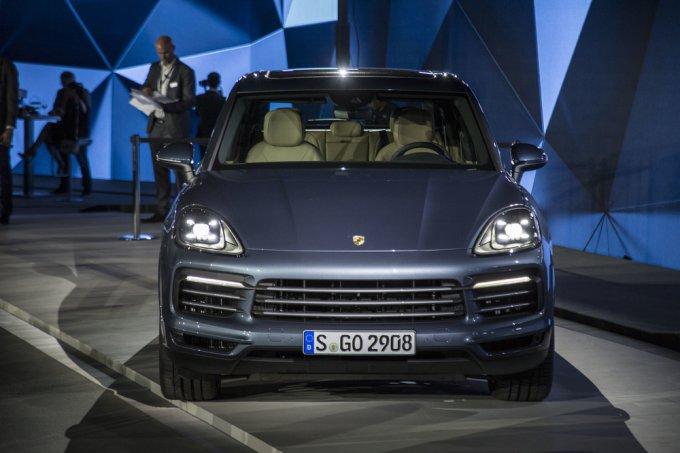Долгожданная премьера нового поколения Porsche Cayenne вызвала большой интерес журналистов и зрителей