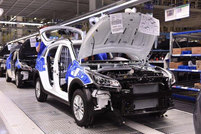 Для Kia Rio X-Line доступны два варианта бензиновых двигателей