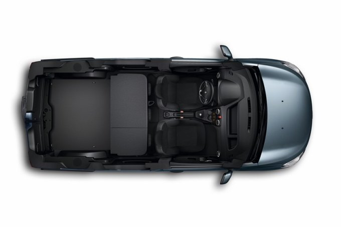 Renault Dokker отличается широкими возможностями трансформации салона и самым большим в своем классе багажным отделением
