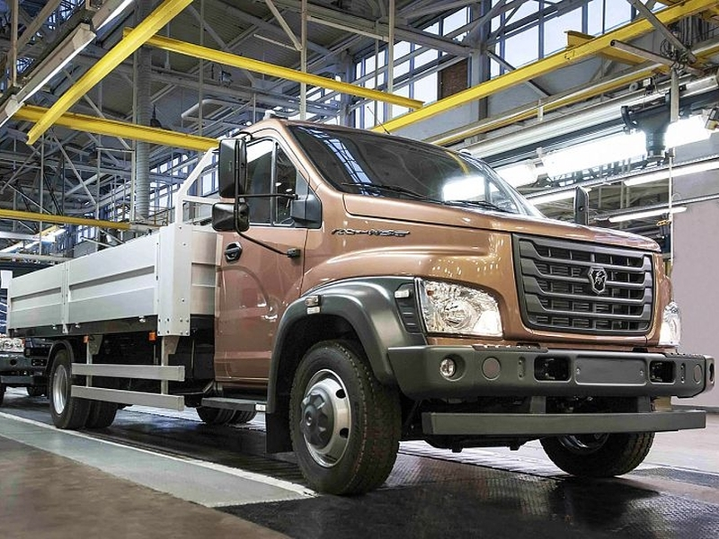 Группа ГАЗ запустила впроизводство две обновленные модели