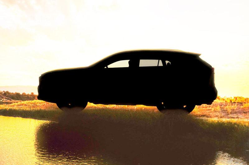 Тоёта показала первое фото нового кроссовера RAV4