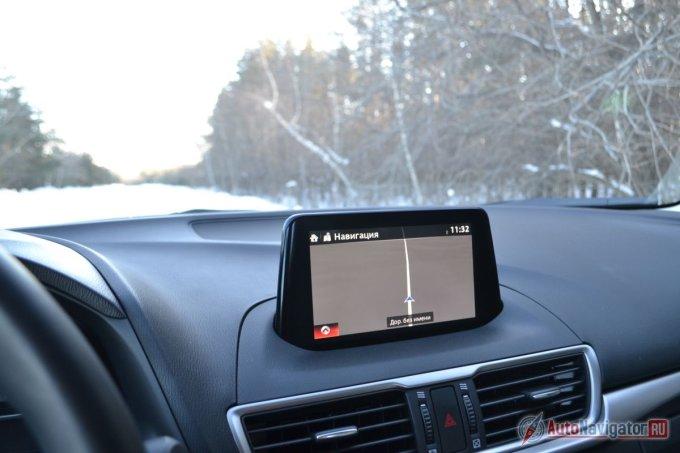 Штатная навигация знает провинциальные и деревенские дороги.