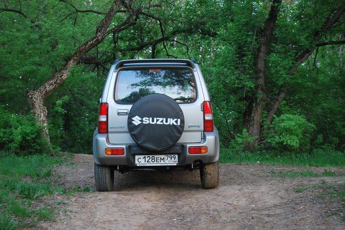 Suzuki Jimny: Бывалый ветеран