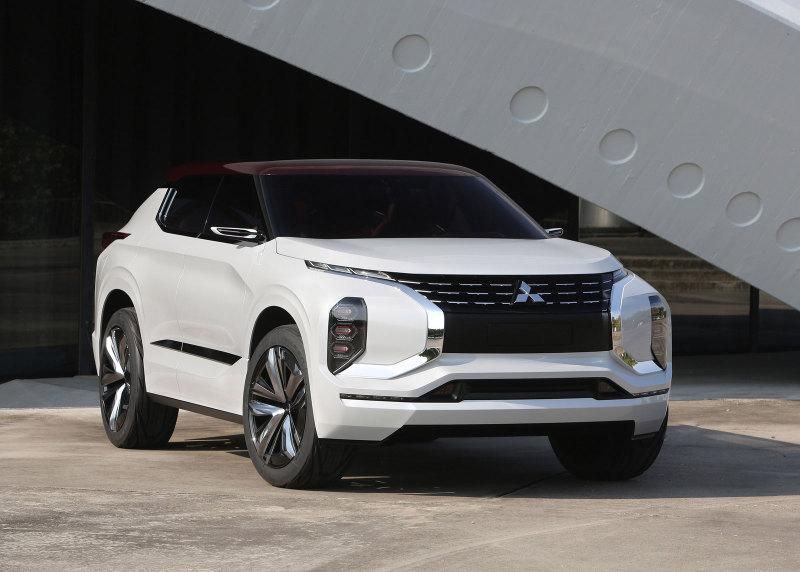 Картинки по запросу Mitsubishi Outlander 2020