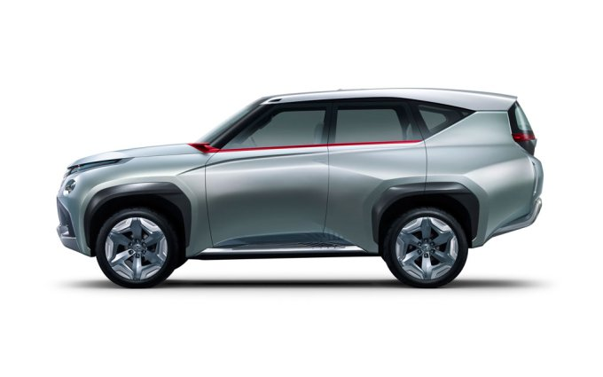 The concept of the Mitsubishi Concept GC-PHEV was introduced at the Tokyo Auto Show in 2013, was considered a change to the theme of the future Pajero