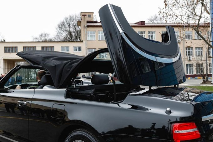"""""""Парадный"""" кабриолет Aurus Senat представлен официально"""