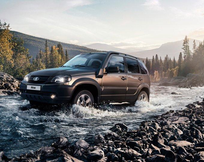 Lada Niva официально поступила в продажу: от 726.000 руб.