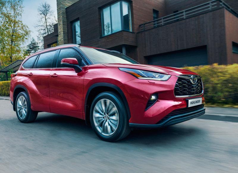 В России стартовал прием заказов на новый Toyota Highlander
