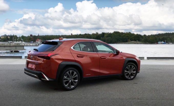 Экспресс-тест Lexus UX: небольшой и стильный